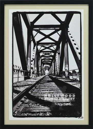 22x16 Gabriel Train Bridge Blck Frm