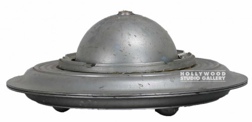 WILLY`S SILVER UFO MODEL